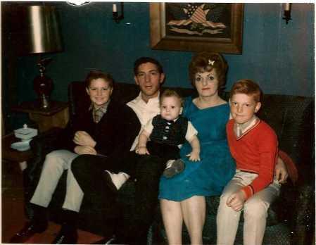 005 Holmes Family - Jack & Joan's House-02
